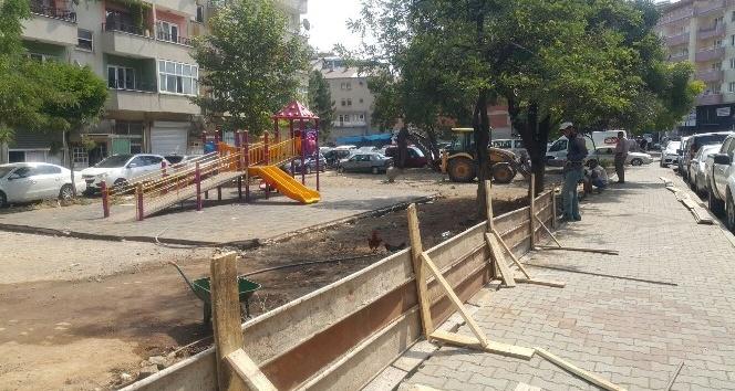 Parklar onarılmaya başlandı