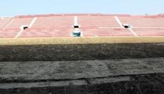 Hüseyin Avni Aker Stadının son hali üzdü