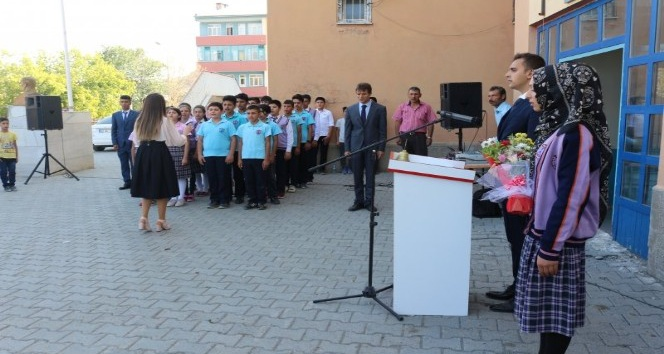 Tuzluca'da İlköğretim haftası kutlandı