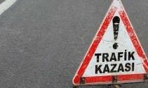 Erzincan'da otomobil şarampole yuvarlandı: 2'si asker 5 yaralı