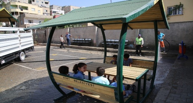 Siirt belediyesinden okul, cami ve kurumlara kamelya desteği