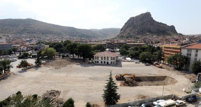 Cumhuriyet Meydanı projesinde ilk etap başladı