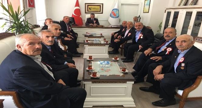 Gazilerden Kaymakam Özkan'a ziyaret