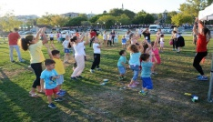 Çocuklar yaz sonu şenliğinde doyasıya eğlendi