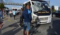 Balıkesir'de minibüsler çarpıştı: 16'sı öğrenci 41 kişi yaralı