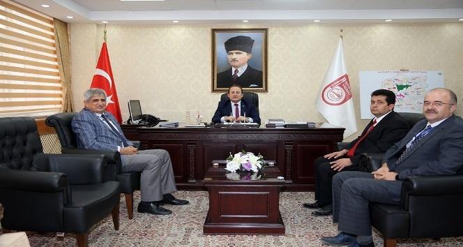 ARAS EDAŞ Genel Müdürü Akbaş, Vali Pehlivan'ı ziyaret etti