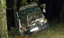Minibüs şarampole yuvarlandı: 13 yaralı