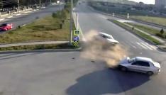 Samsunda trafik kazaları MOBESE kameralarına yansıdı