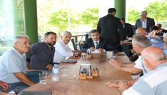 Başkan Yemenici, muhtarlarla bir arada