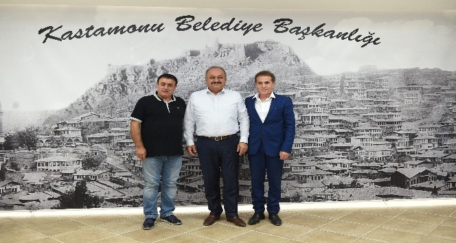 Ses sanatçısı Mahmut Tuncer, Kastamonu'yu ziyaret etti