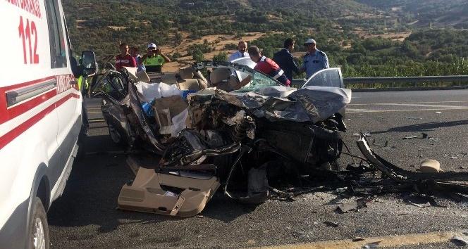 Elazığ'da feci kaza: 3 ölü, 1 yaralı