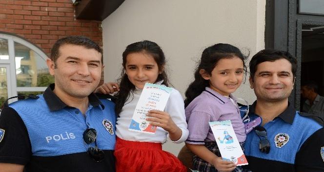 Bingöl polisi,çocukları broşürle uyardı