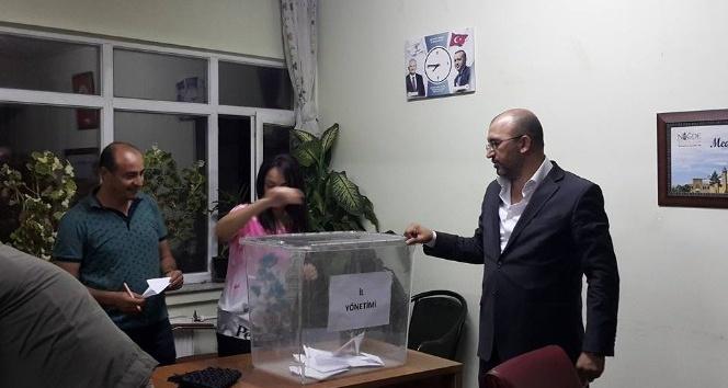 AK Partide yeni il başkanı için temayül yoklaması yapıldı