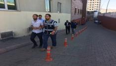 Uyuşturucu operasyonunda gözaltına alınan 3 zanlı adliyeye sevk edildi