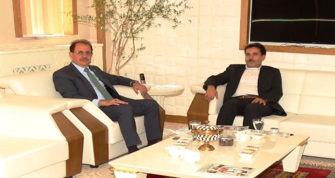 Bonab Üniversitesi Rektörü Abbaslan'dan Rektör Coşkun'a ziyaret