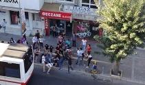 İzmirde liseli iki grup arasında kavga