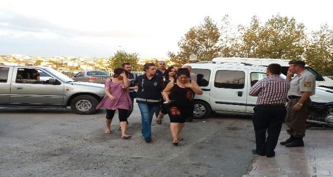 Edirne'de huzur operasyonunda 3 yabancı uyruklu kadın yakalandı