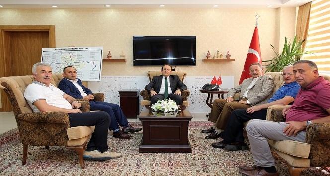 Ahilik kutlama komitesi ve Piraziz Ziraat Odası heyeti Vali Pehlivan'ı ziyaret etti