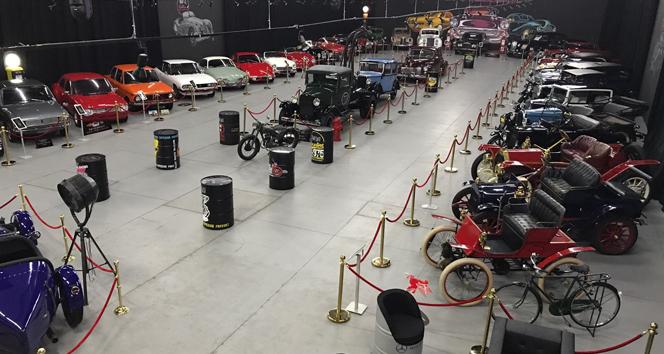 KKTC'deki klasik araba müzesi geçmişe ayna tutuyor