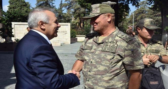 Korgeneral Temel, Vali Ata'yı ziyaret etti
