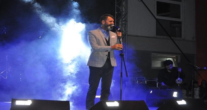 Ayvacık'ta Hüseyin Turan konseri