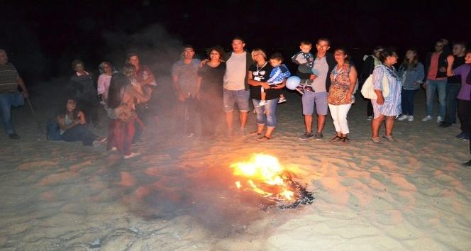 Ayvalıkta 25. Uluslararası Engelliler Şenliği kamp ateşiyle sona erdi