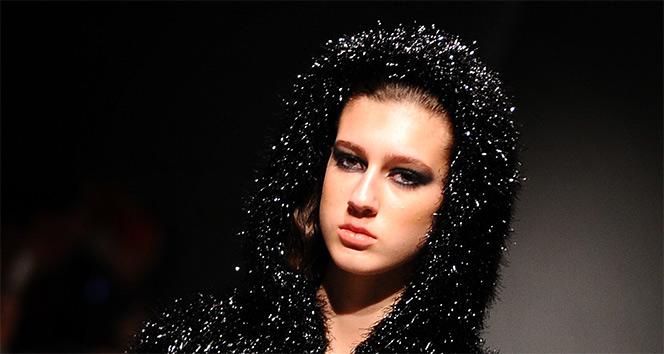 Miss Turkey 2017 kraliçesi Itır Esenin tacı geri alındı