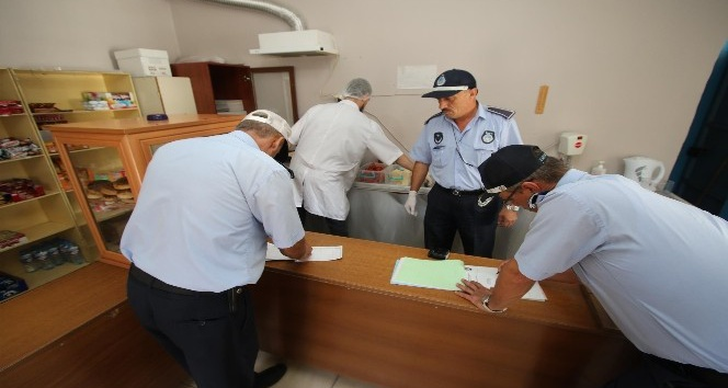 Akyazı Belediyesi zabıta ekipleri okul kantinlerinde sıkı denetime başladı