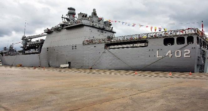 Dünyanın en büyük tank çıkarma gemisi Tcg Bayraktar Samsuna çıkarma yaptı