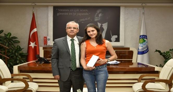 Salihli fakültesinin ilk öğrencisi Başkan Kaydayla buluştu