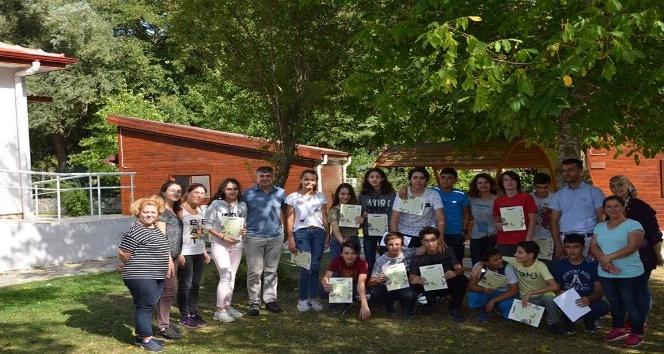 221 öğrenci 'tabiat kaşifi' sertifikası aldı