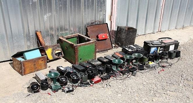 Kaçak avcılık için 20 akü ve 20 ses düzeneği ele geçirildi