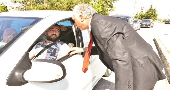 Oda başkanlarından sürücülere leblebi ikramı