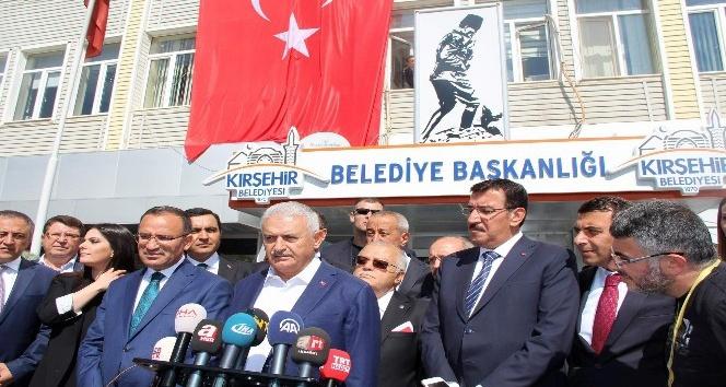 Başbakan Yıldırım: Referandum ile ilgili siyasi, ekonomik, güvenlik boyutu olacak