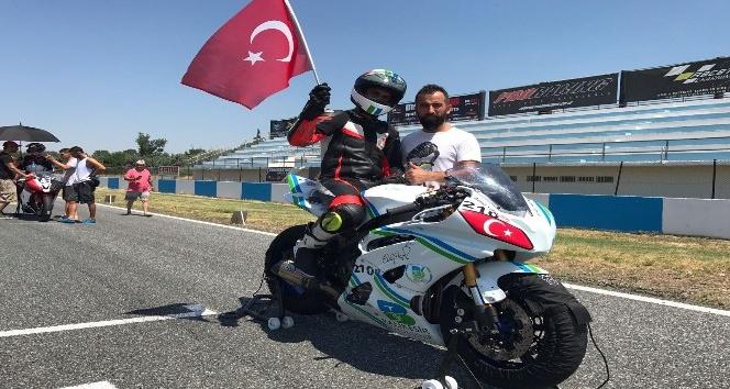 Türkiye ve Avrupa motosiklet şampiyonu Ali Efe Yeğin: