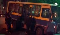 Kağıthanede minibüslerin yolcu kapma yarışı kamerada