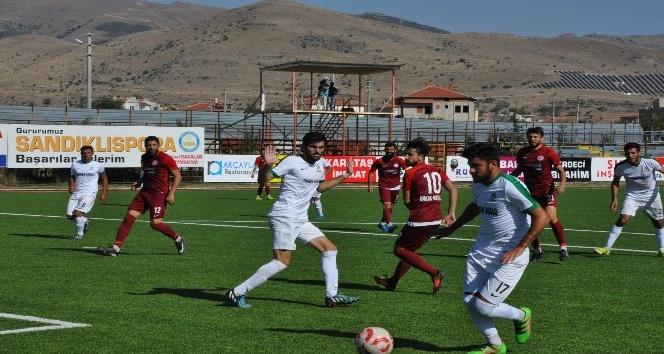 Sandıklıspor, Şuhut Belediye Hisarspor maçı golsüz tamamlandı