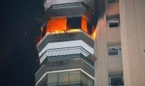 Adanada apartmanda çıkan yangın korkuttu
