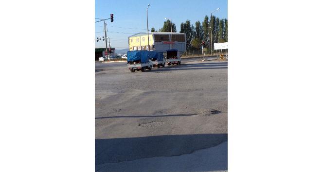 (Özel Haber) Kamyonetler trafik kurallarını hiçe saydı
