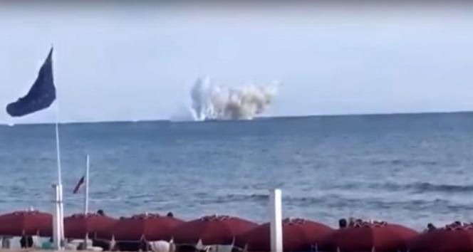 Savaş uçağı denize böyle çakıldı