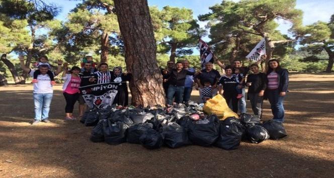 Dinar'da taraftar grubu çevre temizliği yaptı