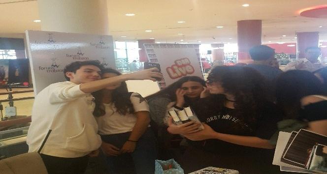Wattpad yazarları Trabzon'da hayranlarıyla buluştu
