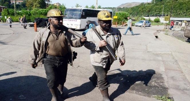 """O madenciler yine duygulandırdı, """"Keşke yürüseydik de o yazılar yazılmasaydı"""""""
