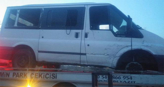 Ağrıda teröristler minibüse ateş açtı: 3 ölü, 4 yaralı