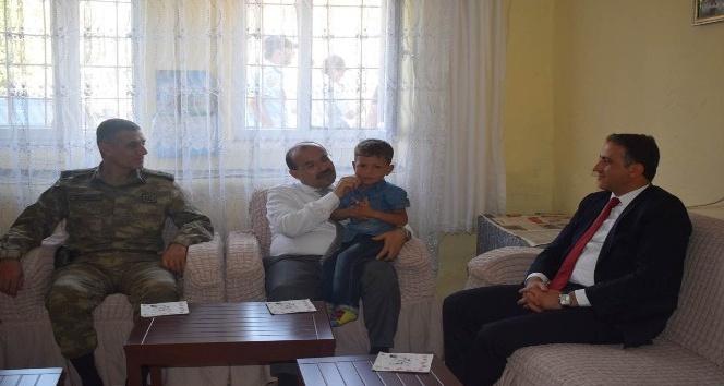 Vali Ustaoğlu'ndan Mutki'ye ziyaret