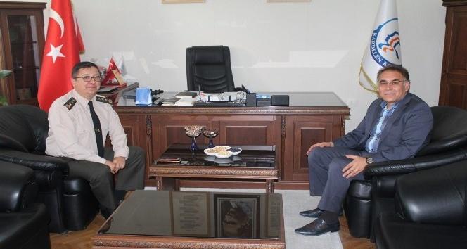 İl Jandarma Komutanı Yiğit Kardelen Kolejini ziyaret etti