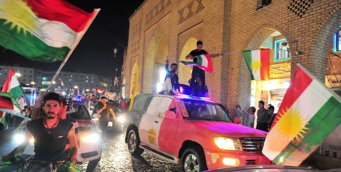 Erbilli seçmenlerin sokaklardaki referandum sevinci