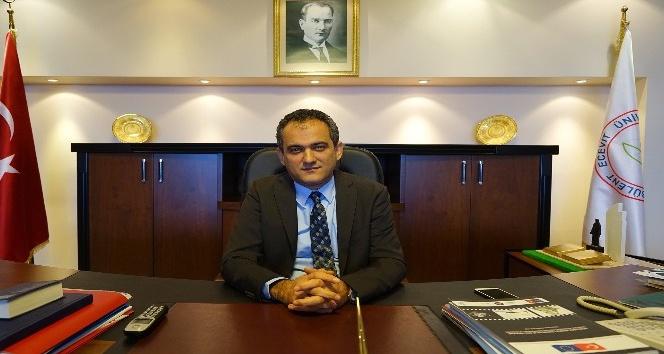 Rektör Özer, Türk Dil Bayramını kutladı