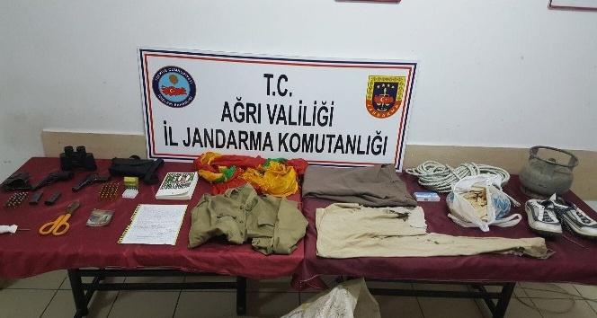 Ağrı'da PKK dokümanları ele geçirildi