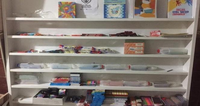 Ağrılı vatandaş 65 bin öğrenciye giyim ürünleri ve kırtasiye malzemeleri dağıttı